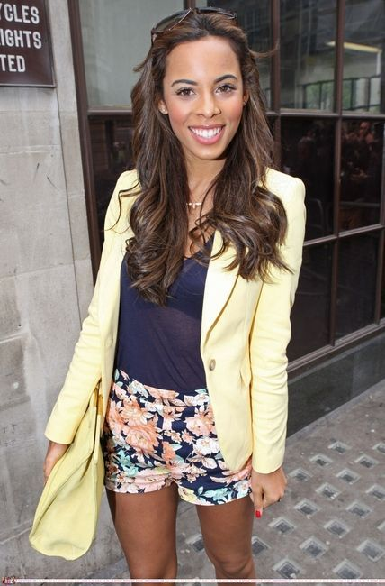 Rochelle Humes from The Saturdays wearing the Alex Monroe Bee Pendant - available at Amulet - http://www.amuletsilver.com/alex-monroe-baby-bee-pendant.html #AlexMonroe #Bumblebee #TheSaturdays #RochelleHumes #Jewellery #Amulet #Amuletfinejewellery