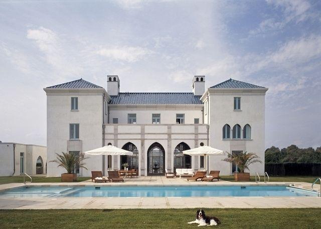 Вилла на побережье Атлантического океана https://www.facebook.com/FAQinDecor/posts/390543574467151 #FAQinDecor #design #decor #architecture #interior #art #дизайн #декор #архитектура #интерьер