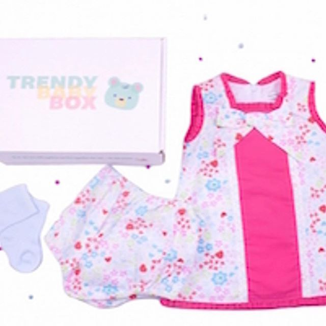 JULY'S BABY GIRLS OUTFIT ⠀ ⠀ Here's everything you will have received this month for your baby girl!! We hope you are enjoying the look... don't for get to tag us #trendybabybox for your chance to win a free box! ⠀ ⠀ ⠀ ⠀ *⠀ *⠀ *⠀ *⠀ *⠀ #giftsforbabygirls
