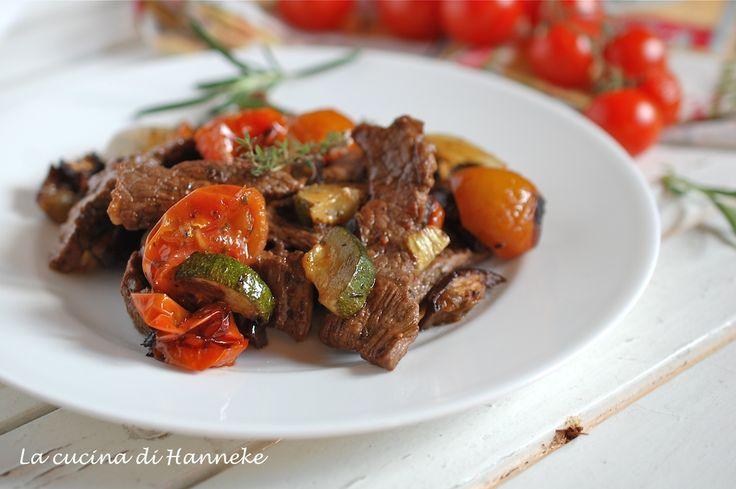 Straccetti di manzo con verdure arrostite al forno
