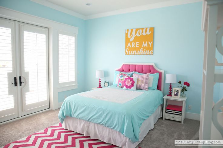 Pink and Aqua Blue Preteen Girl's Bedroom January 18, 2017 by Erin 43 Comments
