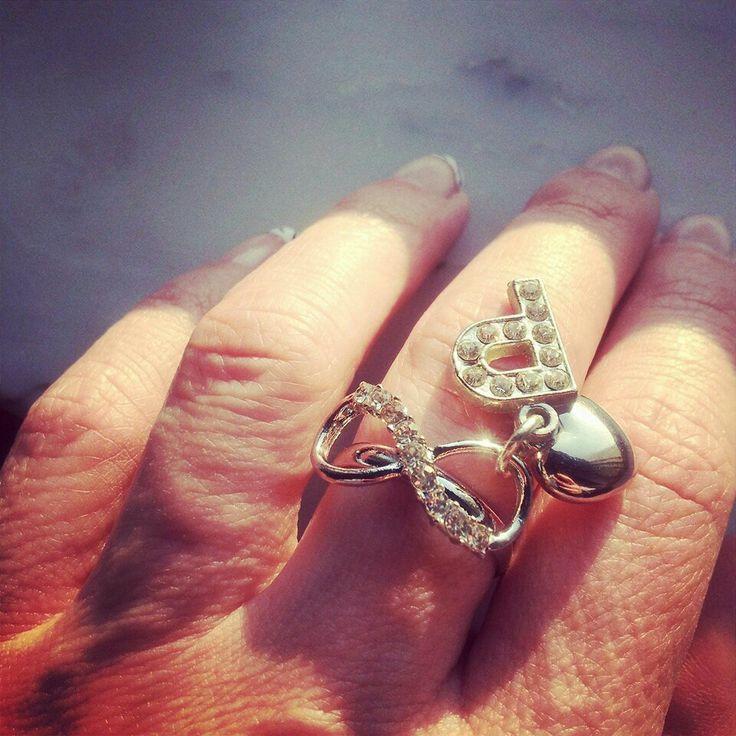 Indossato è un'altra cosa. ..#rings#infinity#name#love#heart#madeinitaly#moda#fashion#jewels#bijoux#bigiotteria#handmade
