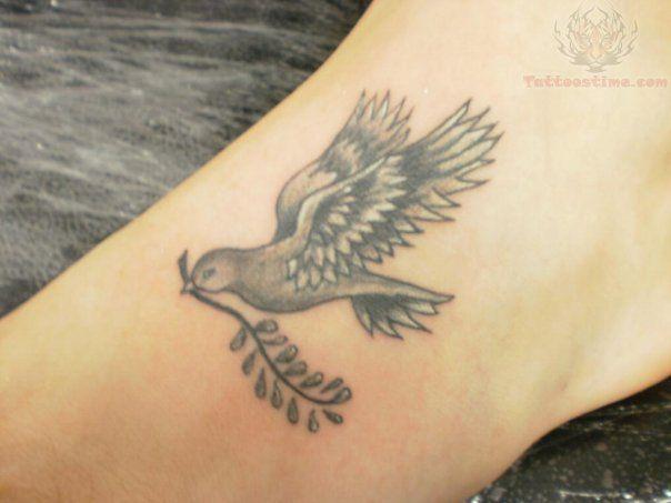 402 best images about dove tattoos on pinterest peace sign tattoos bird tattoos and peace dove. Black Bedroom Furniture Sets. Home Design Ideas