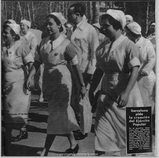 """Enfermeras de la Cruz Roja en el bando republicano en Barcelona. """"Mi Revista"""". 1 febrero 1937."""
