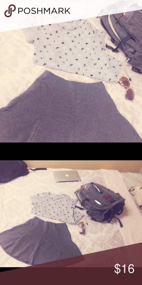 Women's Grey Shirt Pull & Bear Grey Shirt Size M Pull&Bear Tops Tees - Short Sleeve