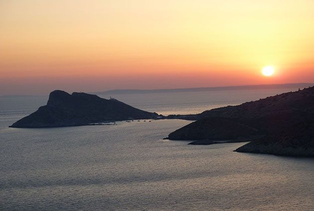 Knidos, private yacht rental, guests3, www.barbarosyachting.com