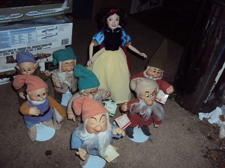 Limited Edition Ashton Drake Disney Snow White Seven