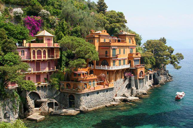 I found my love in Portofino. Perchè nei sogni credo ancor. Lo strano gioco del destino. A Portofino m'ha preso il cuor.