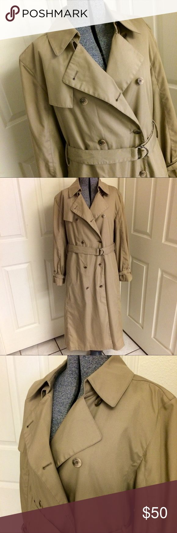 VINTAGE London Fog trench coat (L/XL) Beautiful trench coat by London Fog. In GREAT vintage condition! Pretty plaid liner is fully removable by zipper. Extra buttons included near material/care tag. Machine washable! (Or dry clean). 🍂 Versatile coat for Fall (wear without the liner) then wear it with the cozy liner as a warm coat for winter! ❄️ Will fit a Large - XL (labeled as 14 Regular). Total length 47 inches, inseam under arms 16.5 inches, & 25 inches across back (measured laying flat…