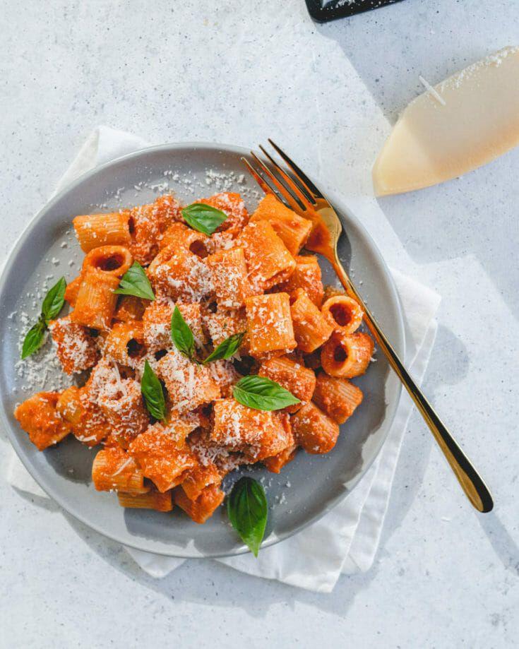 20 Easy Italian Recipes A Couple Cooks Recipe In 2020 Italian Recipes Easy Italian Recipes Italian Soup Recipes
