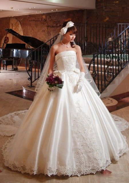 PGW645ブランシュ|ウェディングドレスのレンタルならジュレカーラ(東京・横浜・大宮)