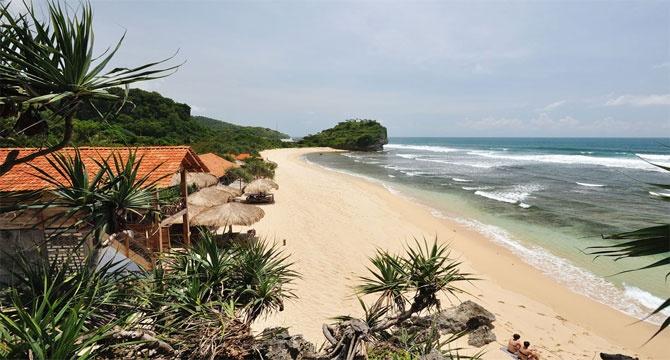 Enjoy The Beauty Of Indrayanti Beach