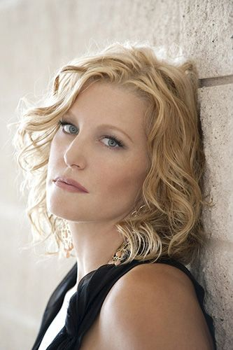 Anna Gunn (Breaking Bad), 2014 Primetime Emmy Nominee for Outstanding Supporting Actress in a Drama Series
