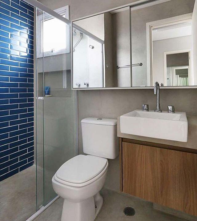 Um banheiro simples e inspirador!!!! Às vezes, menos é mais!!!! regram @maisinteriores #inspiracao #decoracao #arquitetura #designdeinteriores #apartamento1505 #decora #reforma #lifestyle #estilodevida #decorando #decoracaodeapartamento #apartamentopequeno #decoracaodeapartamentopequeno #tbt #love #architecture #lovearchitecture #amor #amoarquitetura