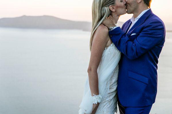 A romantic wedding in greek island Santorini! See more: http://www.love4weddings.gr/santorini-romantic-wedding/