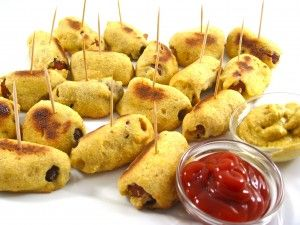 Guilt-free Baked Mini Corn Dog Bites! As a kid, I loved corn dogs, I think most kids do. I haven't had one in years and I think you can guess why! But, you'll love these baked ones. The skinny for 1 mini corn dog bite, 79 calories, 1 gram of fat and 2 Weight Watchers POINTS PLUS.