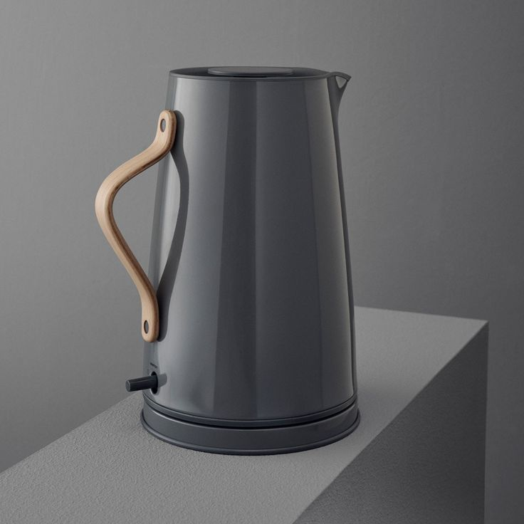 Wasserkocher 1,2 l Edelstahl grau Buchenholzgriff stelton EMMA