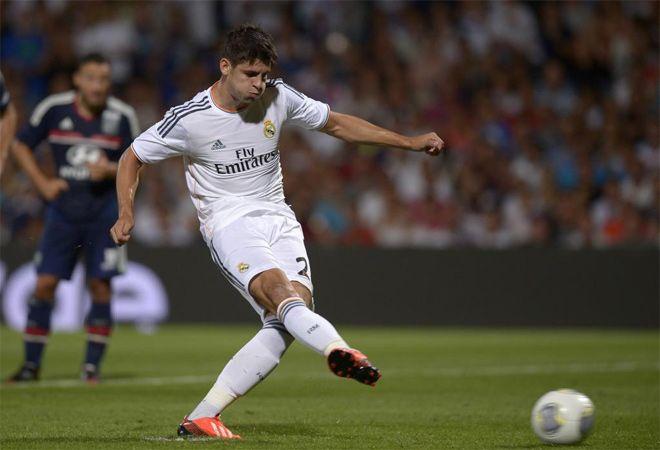 Lyon-Real Madrid Pretemporada 2013 Morata lanzando el penalty que seria el 2-1