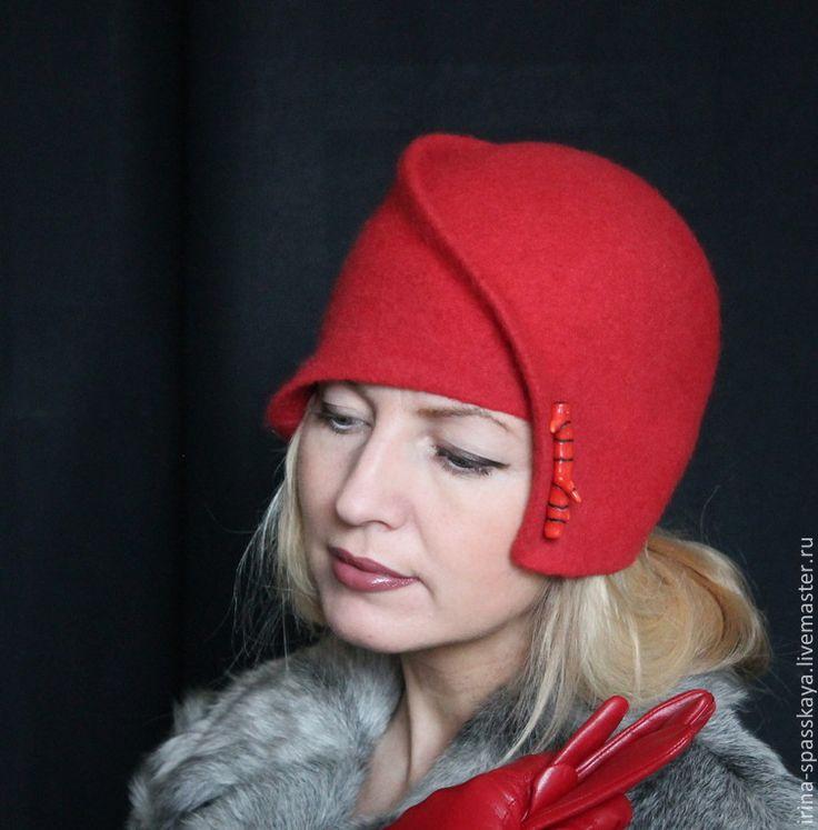 """Купить Клош """"История о кларнете и кораллах"""" - ярко-красный, однотонный, дамская шляпка, шляпка-клош"""