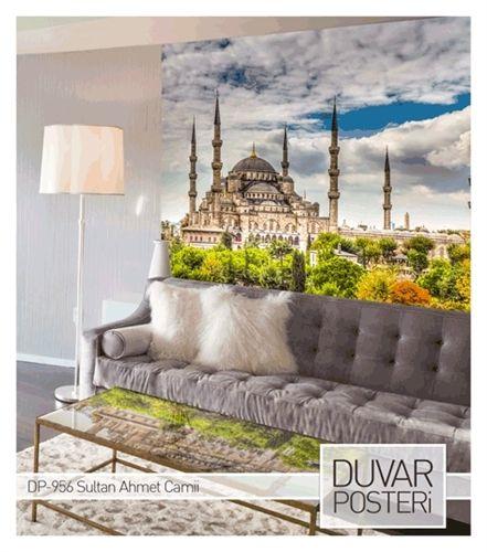 1609-1616 yılları arasında Osmanlı Padişahı Birinci Ahmed tarafından İstanbul`daki tarihi yarımadada, Mimar Sedefkar Mehmet Ağa`ya yaptırılmıştır.  www.artikeldeko.com.tr