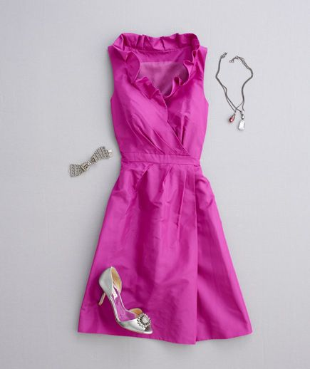 17 best images about fashion on pinterest winona ryder for Necklace for v neck wedding dress