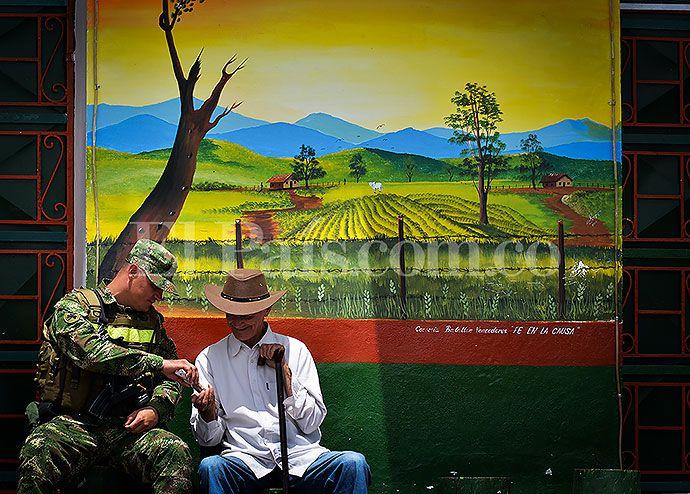#Versalles, un pueblo que pinta su historia de paz #ValledelCauca #Colombia