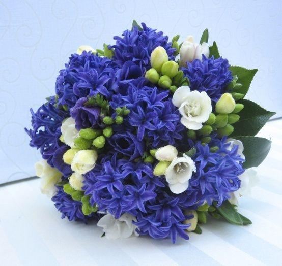 Букет с гиацинтом невеста, цветов