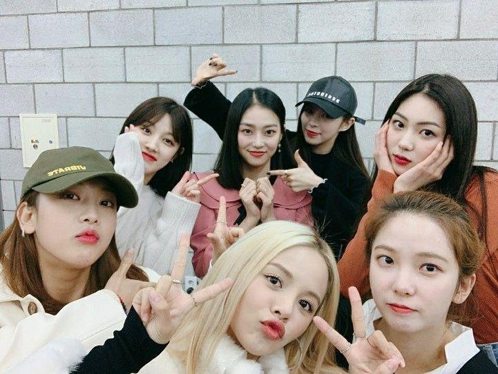 Instagram Post By Yeeun Clc Yyyyeeun Clc Group Photo Clc Kpop Girl Groups Kpop Girls