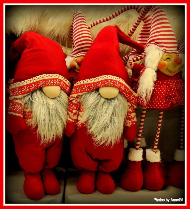 Have you been nice this year? They keep an eye on you, thought it doesn't seem like that :O)) by annelof #SocialFoto