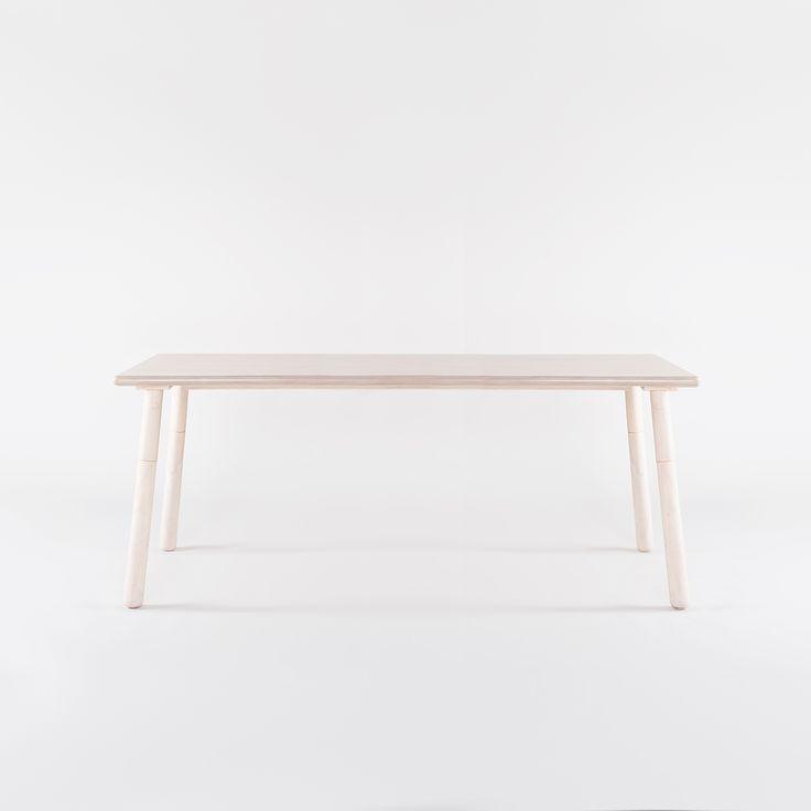 Rio matbord från Department. Ett modernt bord med mjuka former och med typisk skandinavisk desi...