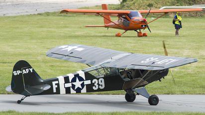 SP-AFY - Private Piper J3 Cub photo (33 views)
