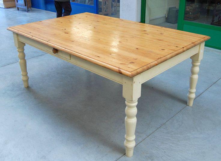 Tavolo in pino marittimo con gamba laccata shabby piano 158 x 122 cm