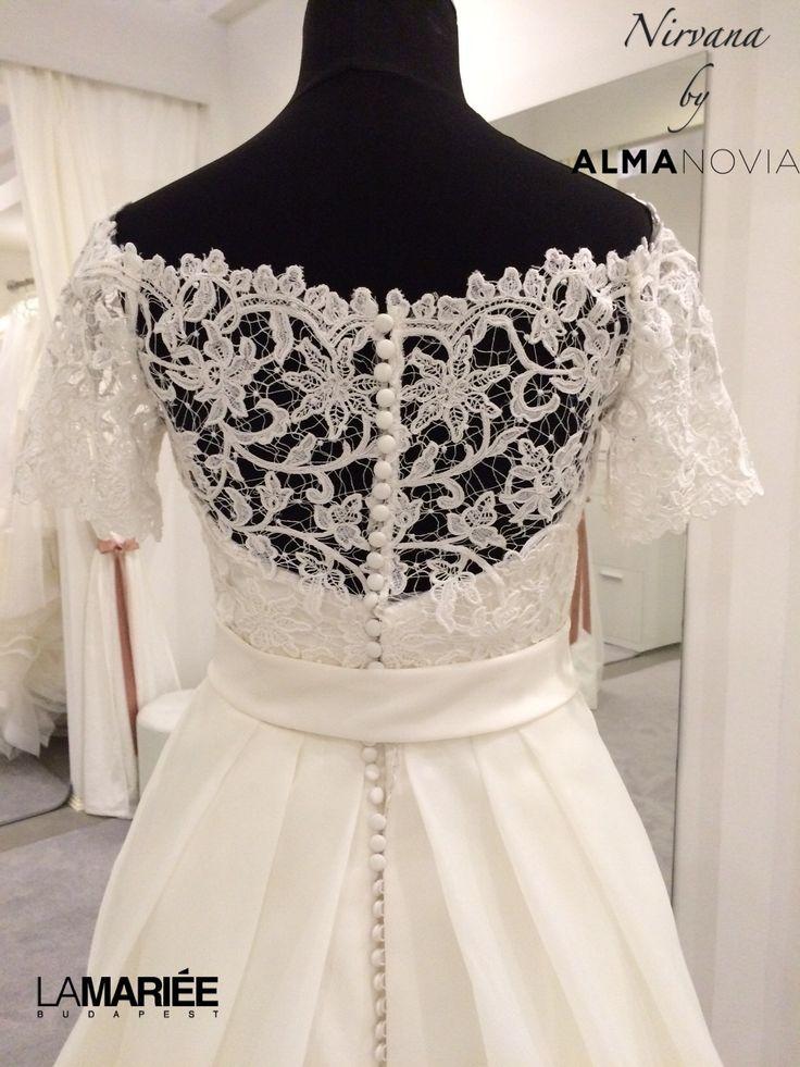 2014 Almanovia - Nirvana esküvői ruha by Rosa Clará http://lamariee.hu/eskuvoi-ruha/almanovia-2014/nirvana