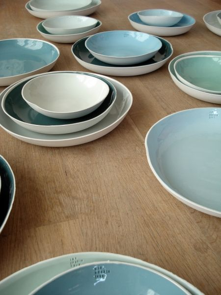 kirstie van noort 7 series of 7 porcelain bowls in different colours each bowl has a colournumber