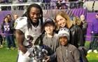 NFL player Alex Collins says Irish dance is the secret to his football success - CBS News