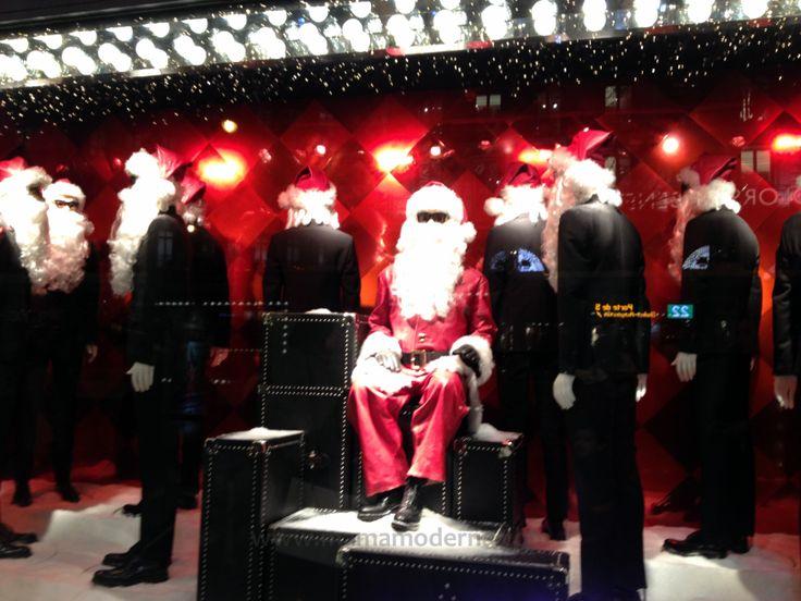 "Escaparates navideños 2013 de ""Printemps"", Santa presente en la moda masculina"