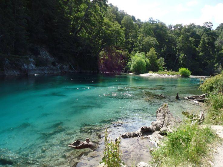 Lago Espejo Chico (de origen glaciar), prov. de Neuquen, AR
