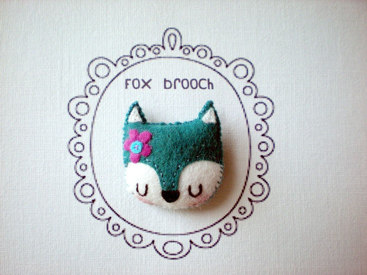 Snowy Fox Brooch/Pin by littlehappystitches on Etsy - fox in another color