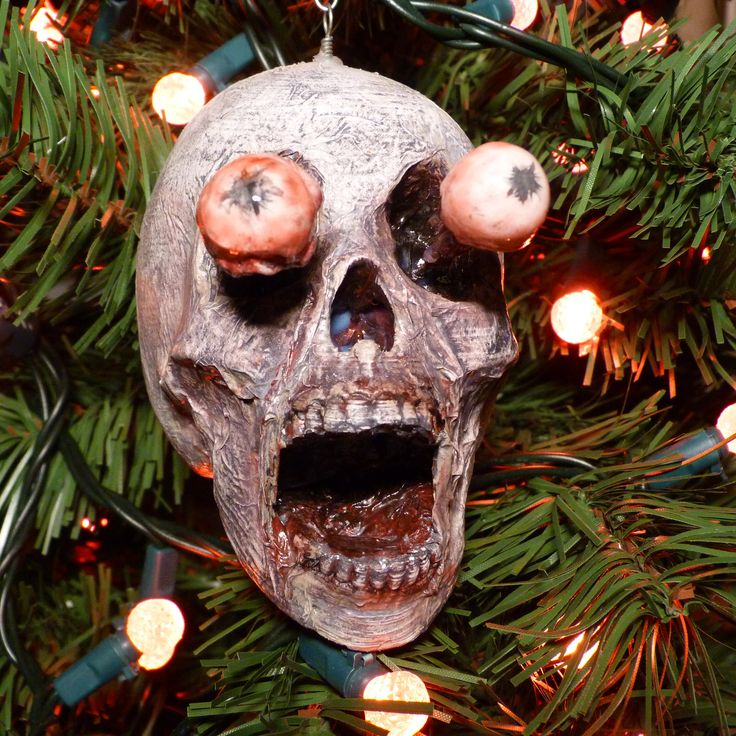 Popeye is coming to town and he is ready to be hung on a tree. The newest screaming skull from Scream Dimension. The eyes are removable and can be moved around slightly. To see more, please visit https://www.etsy.com/ca/shop/ScreamDimension?ref=seller-platform-mcnav