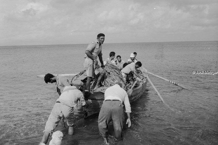 JACK METZGER Ρόδος 1959 περίπου φεύγοντας για ψάρεμα