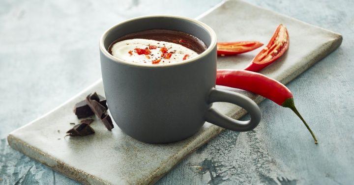 Chilikakao Litt hot, men veldig godt!   http://www.melk.no/oppskrifter/varme-drikker/chilikakao/