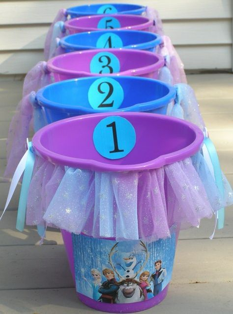 Fun game at a Frozen girl birthday party! See more party ideas at CatchMyParty.com!