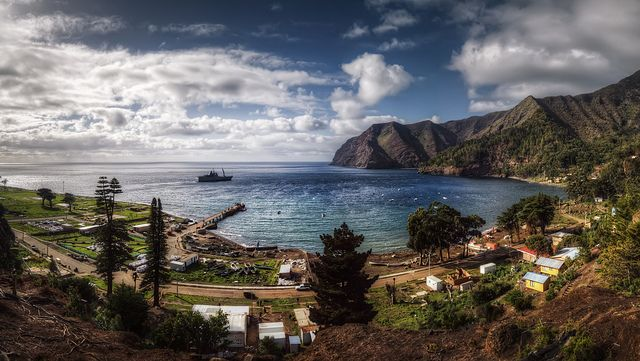 philbleau:  Juan Fernandez (2) on Flickr. Robinson Crusoe Island-Panoramic view! Copyright: Philippe Bleau 2011.
