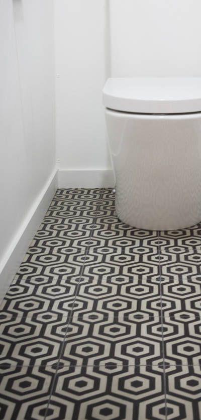 les 17 meilleures images du tableau carreaux de ciment wc sur pinterest salle de bains. Black Bedroom Furniture Sets. Home Design Ideas