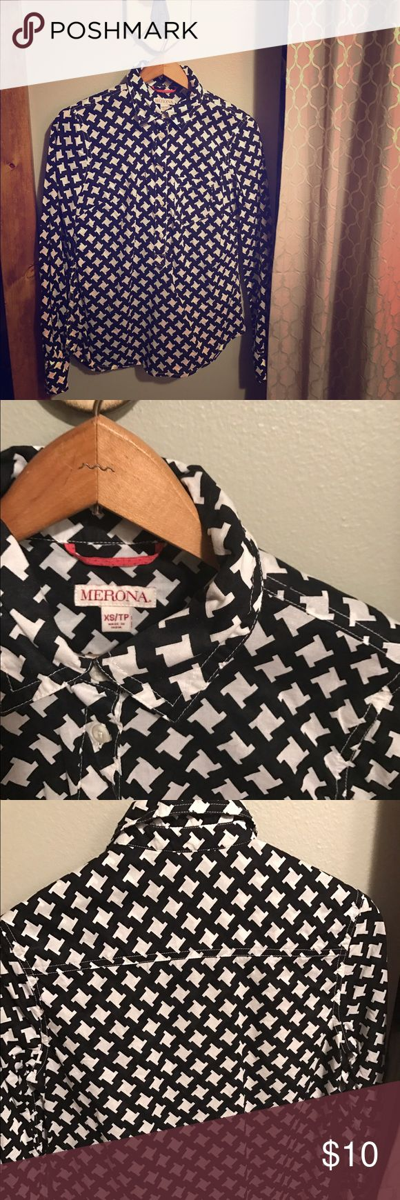 Merona Brand by Target collared blouse Merona Brand by Target cotton 3/4 button up houndstooth shirt. Merona Tops Button Down Shirts