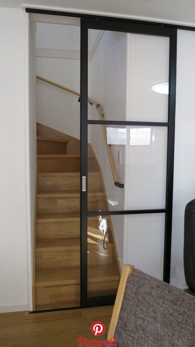 リビングイン階段に引き戸の取り付け リビングイン階段に引き戸の