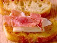 Apricot and Chicken Bruschetta Recipe : Giada De Laurentiis : Food Network