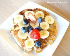 Gezonde pannenkoeken met vers fruit. Gemaakt met boekweit en amandel en vers fruit. Deze blog staat volg gezonde inspiratie en gezonde recepten.