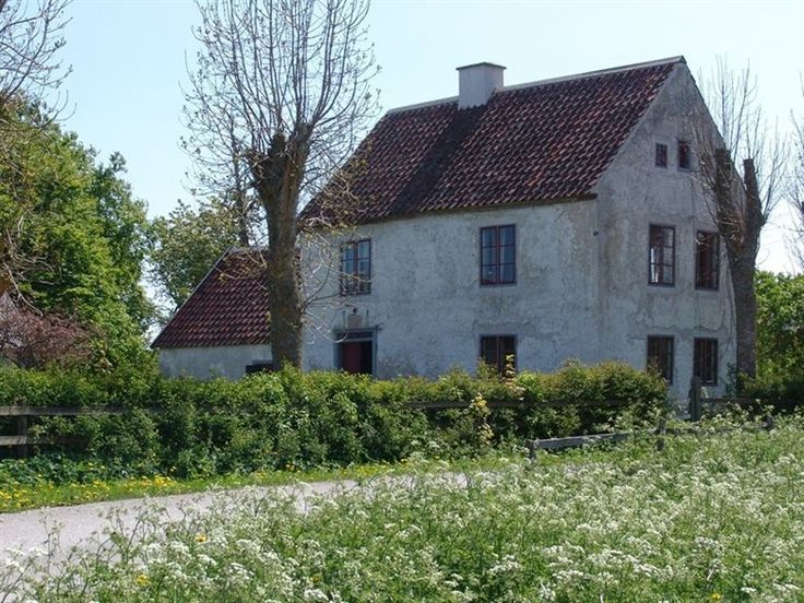 Old stone house in the island of Gotland Sweden- this is the kind of place I could live out my days...