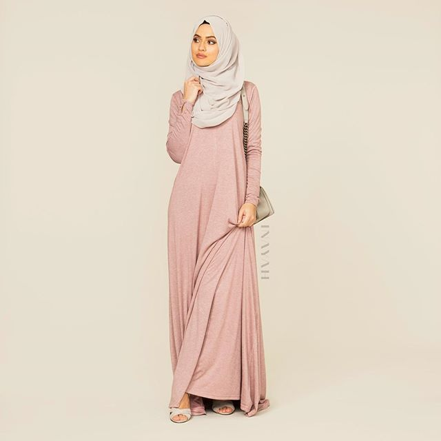 - Up the style stakes this fall with pastel hues and a modest silhouette, to recreate a youthful and trendy ensemble. Dusty Blush High Neck Cotton Abaya Feather Grey Georgette Hijab www.inayahcollection.com